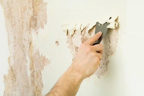cạo bỏ lớp sơn cũ