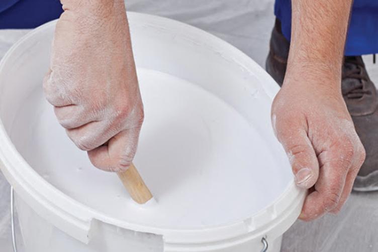 có nên pha thêm nước vào sơn
